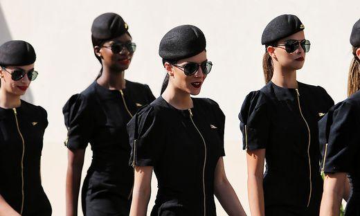 Die Grid Girls des Formel-1-Rennens von Abu Dhabi