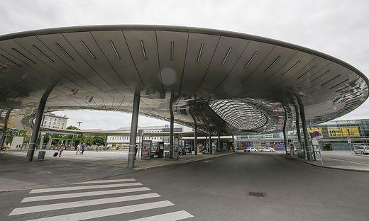 Haltestelle am Grazer Hauptbahnhof