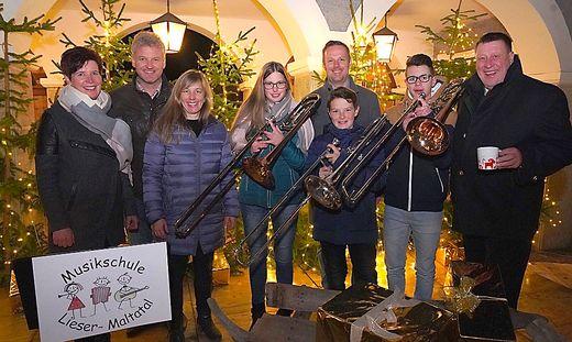 Petra Glanzer, Rudi Truskaller, Evelin Koller, Ramona Gfrerer, Markus Schiffer, Martin Weber, Joel Gößnitzer, Bürgermeister Josef Jury