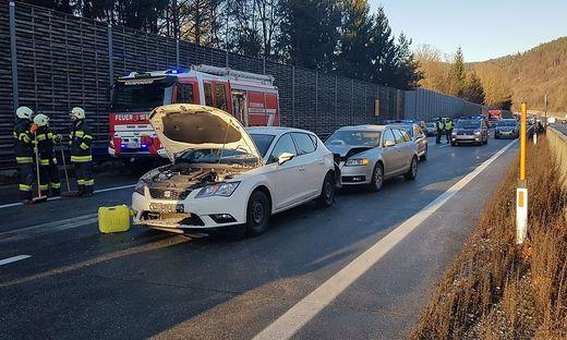 Acht Fahrzeuge waren in den Unfall auf der A2 verwickelt