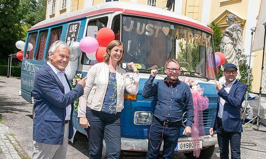 Dieter Pochlatko mit Barbara Eibinger-Miedl, Michael Kreihsl und Enrico Jakob