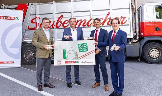 Alufix-Geschäftsführer Clemens Moritzer, Spar-Steiermark-Chef Christoph Holzer, Saubermacher-CEO Ralf Mittermayr und Saubermacher-Gründer Hans Roth