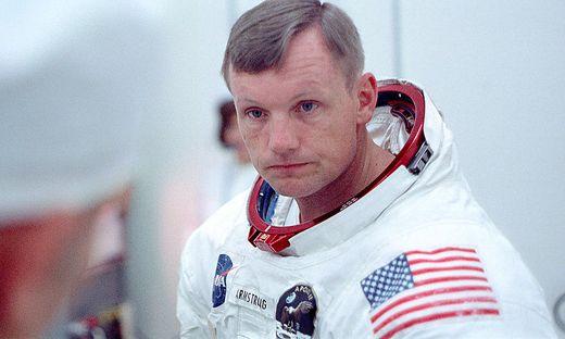 Armstrong kurz vor dem Start von Apollo 11
