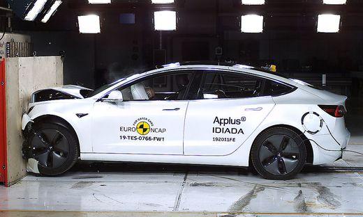 Tesla: Model 3 holt fünf Sterne im Crashtest