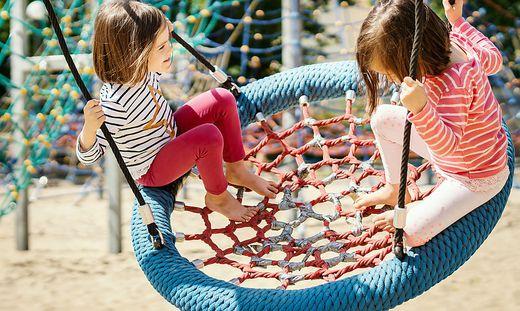 Der Nachbarin sind die spielenden Kinder zu laut (Sujetfoto)