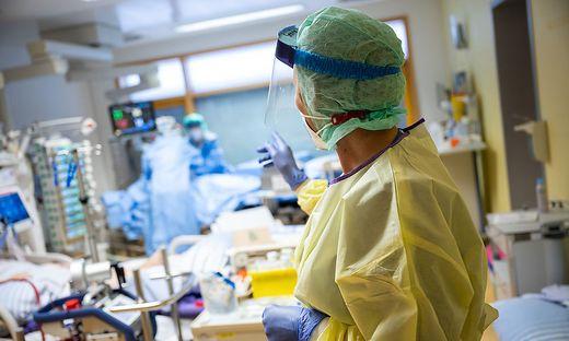 17 Corona-Infizierte müssen derzeit in Kärnten intensivmedizinisch betreut werden (Symbolfoto)