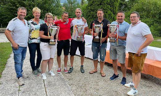 Die Sieger: v.l.: Ralf Karner, Christine Bugelnig und Bettina, Peter Hadalin und Armin Schmelz, Stefan Weissenbacher, Peter Kleinfercher, Heimo Klammer (OTC Obmann)