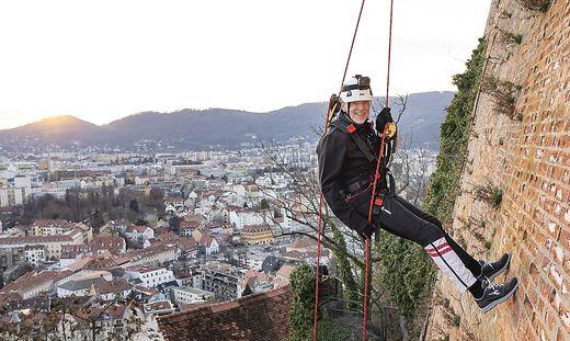 Das Hoffen auf eine Seilschaft am Schuldenberg: Finanzstadtrat Riegler drängt auf Unterstützung der Städte durch den Bund