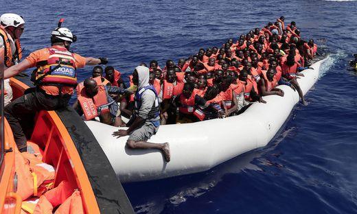 """Flüchtlinge im Mittelmeer: Banksy soll jetzt die """"Sea Watch"""" unterstützen (Archivfoto)"""
