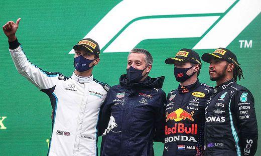 Max Verstappen wurde im Regenchaos von Belgien vor George Russell und Lewis Hamilton als Sieger gewertet