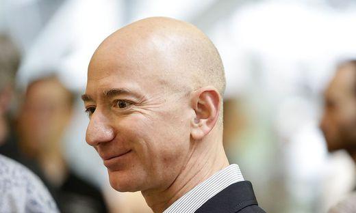Bezos baut Status als reichster Mensch der Welt aus