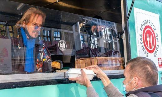 Frank Zander geht mit dem Food-Truck auf Tour