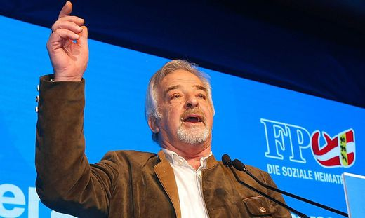 Tisal bei einer Wahlkampfveranstaltung der FPÖ