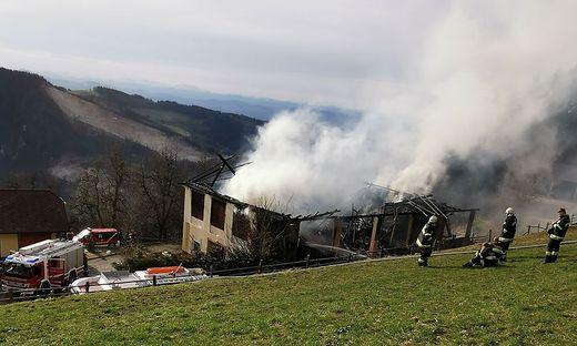 Das Wirtschaftsgebäude brannte nieder
