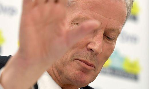ARCHIVBILD: MITTERLEHNER TRITT ALS PARTEICHEF UND VIZEKANZLER ZURUeCK