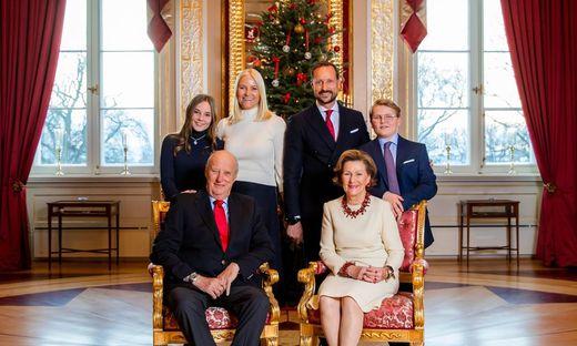 Weihnachten Feiern.Royals Wie Königshäuser Weihnachten Feiern Kleinezeitung At