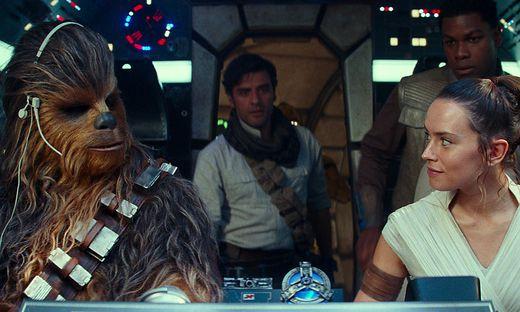 Brechen auf zum letzten Abenteuer: Chewbacca, Poe und Rey