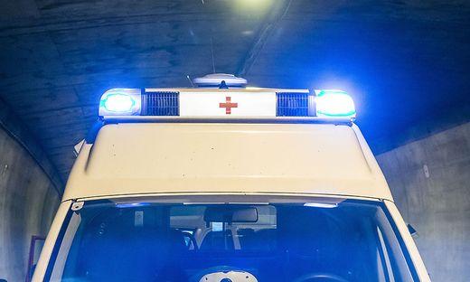 Die Rettung brachte den Verletzten ins Klinikum Klagenfurt