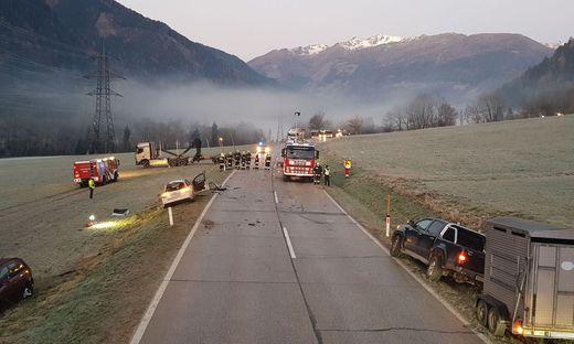 Die Bundesstraße musste nach dem Unfall mehrere Stunden gesperrt werden