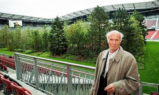 Gesellte sich zu den 299 Bäumen des Klagenfurter Stadionwaldes: Museumslegende Peter Baum