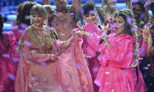 Taylor Swift, Shania Twain