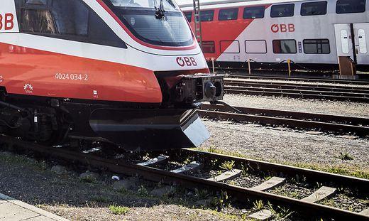 Die Züge überfuhren die Kabel. Eine Notbremsung wurde ausgelöst (Sujetbild)