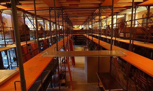 Die Bücher bleiben während den gesamten Renovierungsarbeiten in der Stiftsbibliothek