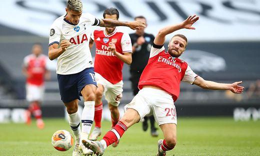 Tottenhams Erik Lamela (links) gegen Arsenal-Verteidiger Shkodran Mustafi