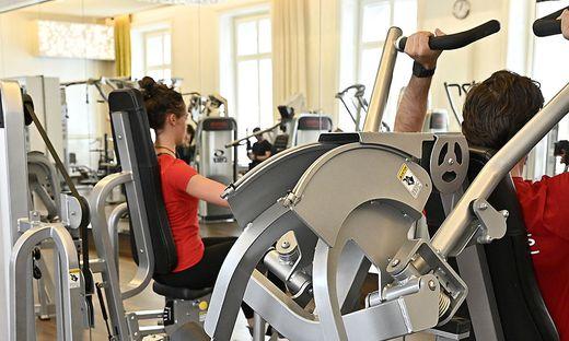 Ein Fitnesstrainer steht unter Verdacht. Opfer soll ein 16-jähriger weiblichen Lehrling  sein (Symbolfoto)