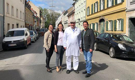 Für eine entschleunigte Zinzendorfgasse: Claudia Kocher-Peschl, Julia Pengg, Josef Mosshammer, Bezirksvorsteher Gerd Wilfling