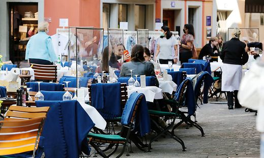 Foto Manuel Geisser 22.04.2021 Z�rich : Seit Montag d�rfen Restaurants draussen wieder G�ste bewirten . Stadt Z�rich . C