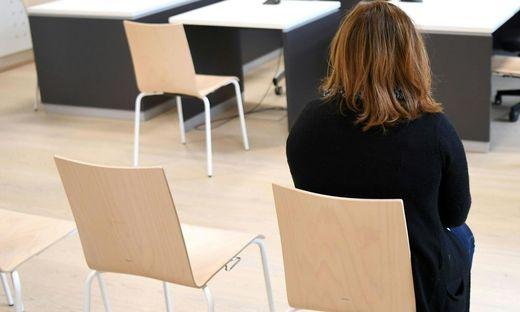 OBER�STERREICH: PROZESS GEGEN PR�FERIN DIE SPRACHTESTS MANIPULIERT HABEN SOLL