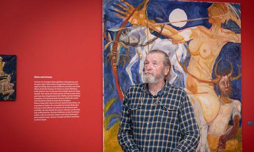 Der südsteirische Künstler Gerald Brettschuh präsentierte seinen Katalog zur Ausstellung