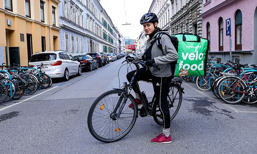 Die Velofood-Botin Karoline Werner