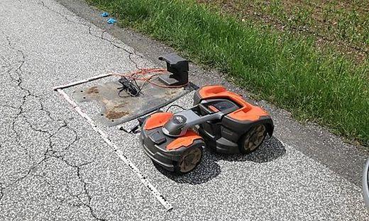 Dieser Mähroboter wurde von den Dieben gestohlen - aber nur für kurze Zeit