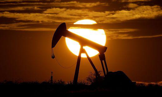 Der Ölpreis sinkt überraschend stark