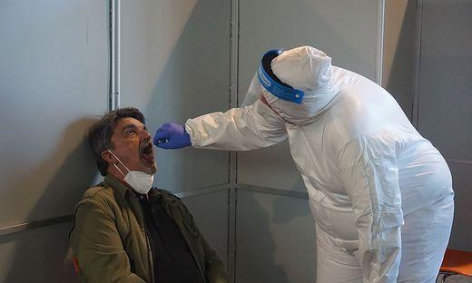 PCR-Test, Rohr bei Hartberg, Festhalle Unterrohr, Coronavirus, Sujet