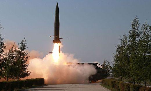 """Trump nicht """"glücklich"""" über neue Raketentests durch Nordkorea"""