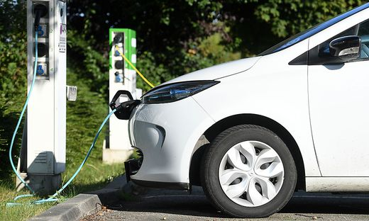 E-Autos und Ladestationen werden wieder gefördert
