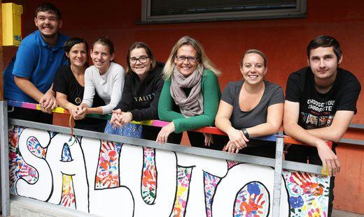"""Karin Dohr-Lamprecht (Dritte von rechts) leitet die Tagesstätte """"Saluto"""""""