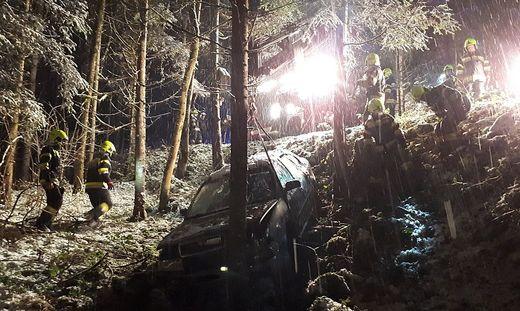 Drei Personen wurden bei dem Unfall verletzt