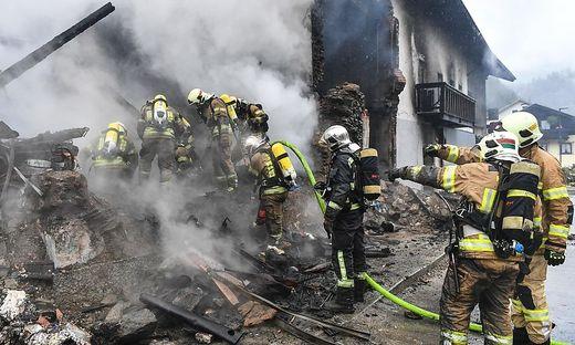 Seit Montag suchte die Feuerwehr in den Trümmern. Gestern wurde die verschüttete Frau tot geborgen