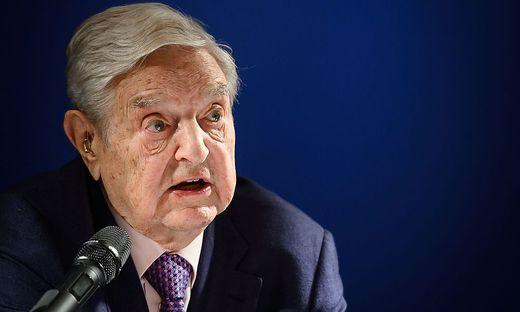 George Soros greift in Davos jedes Jahr ein wichtiges gesellschaftliches Thema auf