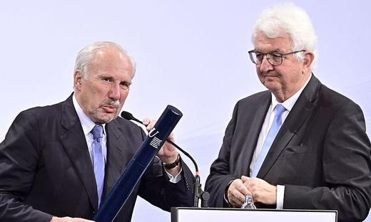Ewald Nowotny und Robert Holzmann