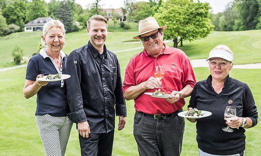 Georg Klammer verwöhnte die Teilnehmer nach Loch zwölf im Kärntner Golfclub Dellach
