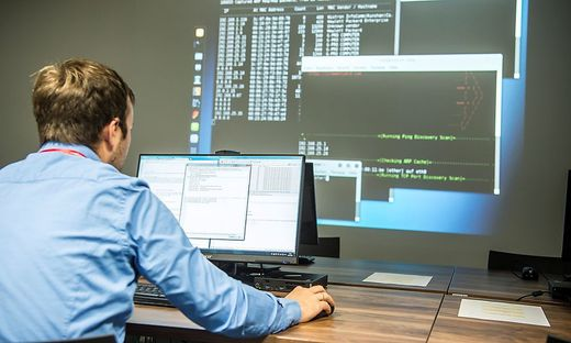 Unvorsichtige Mitarbeiter gelten laut EY-Studie als potenziell größte Sicherheitslücke in Betrieben
