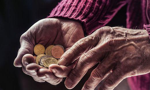 Auf die Lebenszeit gerechnet verlieren Neu-Pensionisten tausende Euros durch die verspätete Anpassung der Pensionshöhe