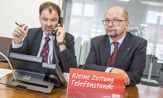 Die Arbeiterkammer-Steuerexperten Bernhard Sapetschnig und Joachim Rinösl heute am Kleine-Telefon