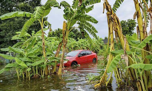 In New Orleans gibt es bereits Überschwemmungen