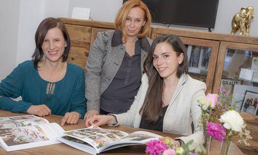 Alexandra Wagner, Sabine Schwarz und Anke Widmann (von links) wollen Paaren zur perfekten Hochzeit verhelfen